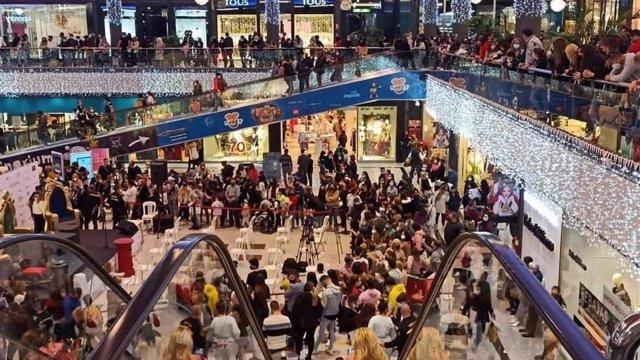Esdeveniment desallotjat al parc comercial 'La Cañada' de Marbella