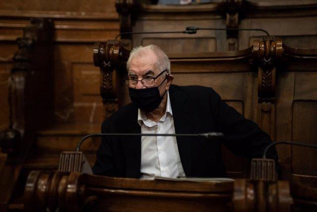 El president del grup d'ERC a l'Ajuntament de Barcelona, Ernest Maragall, durant un ple del Consell Municipal de l'Ajuntament de Barcelona dedicat a l'ús del superàvit del 2019 per a la crisi de la Covid-19, Barcelona.