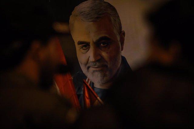 Actos de conmemoración por el aniversario de la muerte del jefe de la Fuerza Quds de la Guardia Revolucionaria de Irán, Qasem Soleimani, en un bombardeo de EEUU en la capital de Irak, Bagdad