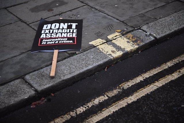 Protesta contra la extradición de Julian Assange en Londres