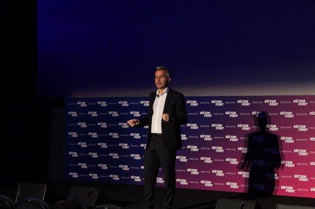El precandidato a la presidencia del FC Barcelona Víctor Font en un acto de la precandidatura 'Sí al Futur'