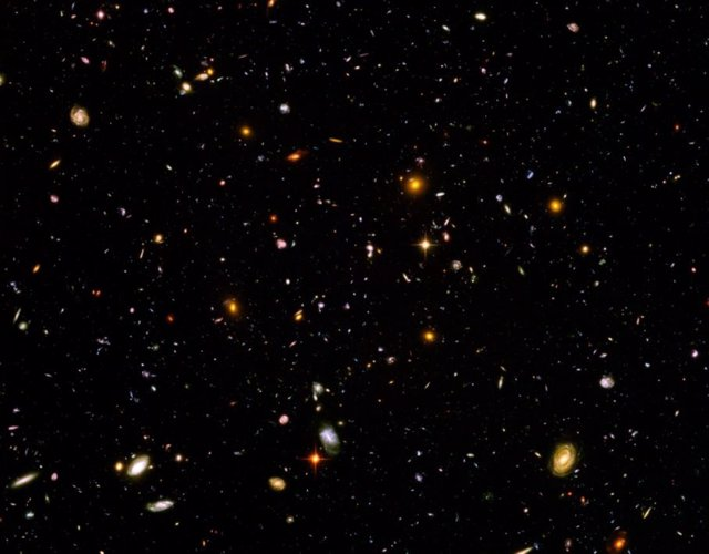 Campo Ultra Profundo del Hubble,
