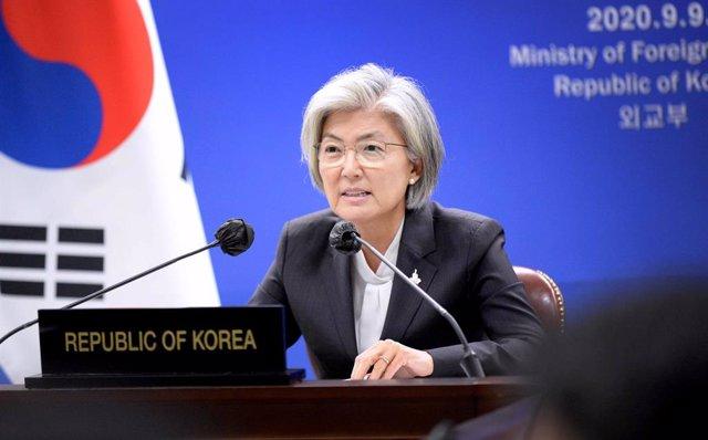 La ministra de Exteriores de Corea del Sur, Kang Kyung Wha