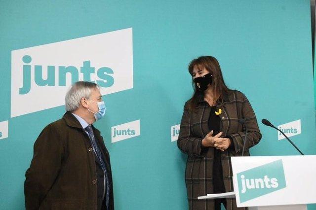 Josep Serra (MES) i Laura Borràs (JxCat)