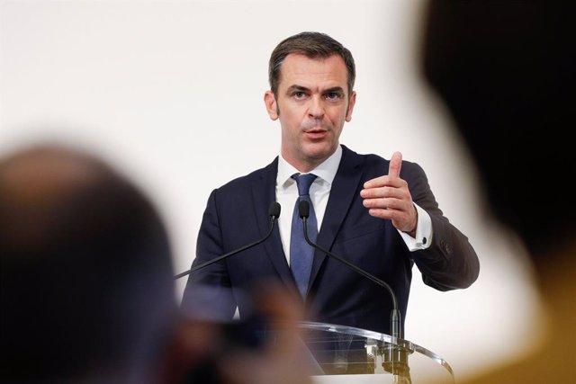 El ministro de Sanidad de Francia, Olivier Veran.