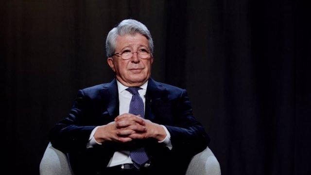 El presidente del Atlético de Madrid, Enrique Cerezo, se muestra optimista ante el futuro del equipo en 2021