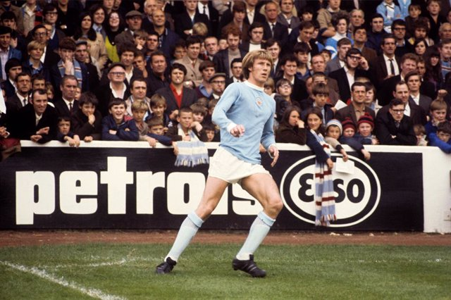 FILED - 22 August 1970, England, Manchester: Manchester City's Colin Bell is pictured in action during a match against Burnley in 1970. Manchester City midfielder and former England international Colin Bell has died after a short illness, aged 74, the clu