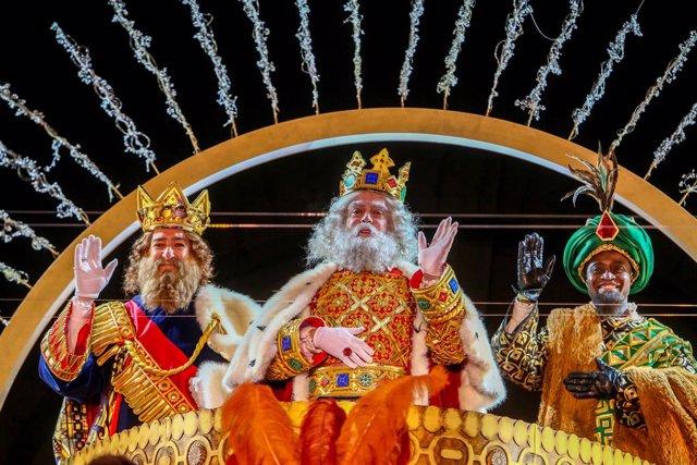 Los Reyes Magos en la Cabalgata de Madrid de 2021, en Madrid (España) a 5 de enero de 2021