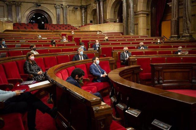 Vista de l'hemicicle durant una sessió de control al Govern de la Generalitat al Parlament, a Barcelona.