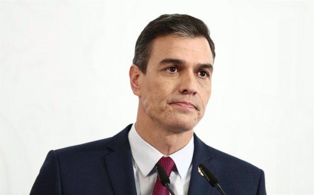 El presidente del Gobierno, Pedro Sánchez durante la rueda de prensa para presentar el primer informe de rendición de cuentas del Gobierno, en Madrid (España), a 29 de diciembre de 2020. Este documento analiza, entre otras cosas, el grado de cumplimiento
