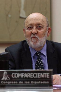 El presidente del Centro de Investigaciones Sociológicas, José Felix Tezános, comparece en el Congreso