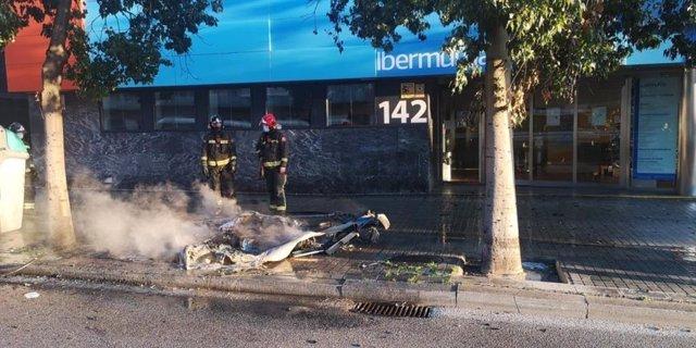 Arresten un home per incendiar 12 contenidors a Barcelona i a l'Hospitalet de Llobregat