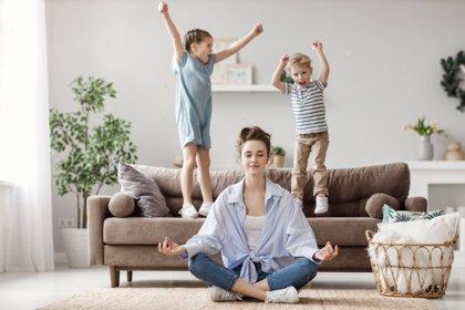 Descubre los microcuidados que necesitáis como padres para estar mejor