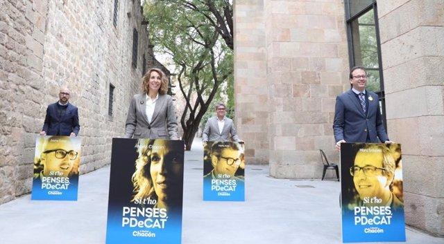 El cap de llista del PDeCAT a Girona el 14F, Jaume Dulsat; l'exregidor de Reus Marc Arza, que encapçala la candidatura de Tarragona; i el portaveu del PdeCAT i alcalde de Mollerusa, Marc Solsona, i la candidata a les eleccions, Àngels Chacón.