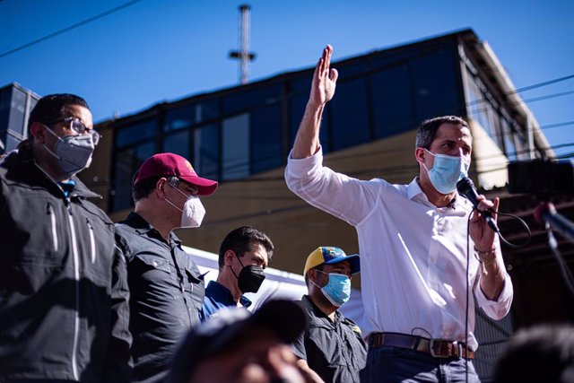 03 December 2020, Venezuela, Valencia: Venezuelan opposition leader Juan Guaido delivers a speech during a rally through the city center calling for the Popular Consultation on 05 December and rejecting the elections called by the Maduro government on 06