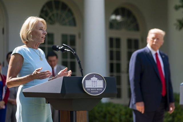 La exsecretaria de Educación de la Administración Trump Betsy DeVos.