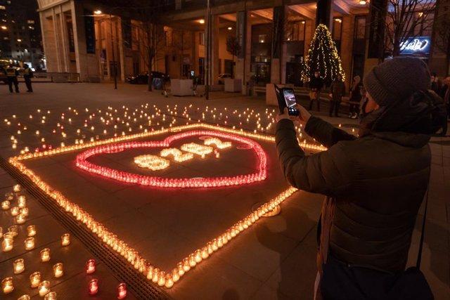 Homenaje a las víctimas del coronavirus en Budapest