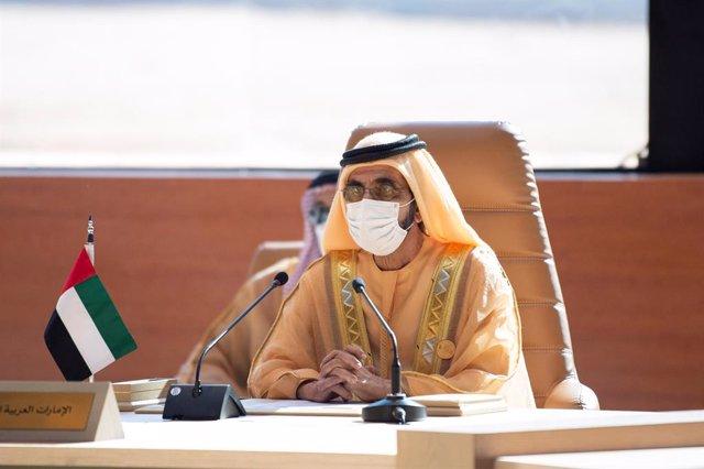El primer ministro y vicepresidente de Emiratos Árabes Unidos (EAU), Mohamed bin Rashid al Maktum durante una cumbre del Consejo de Cooperación para los Estados Árabes del Golfo (CCG) en Arabia Saudí