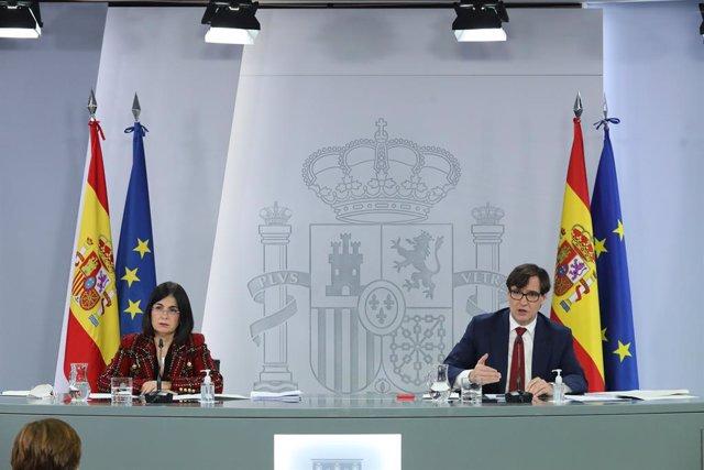 La ministra de Política Territorial, Carolina Darias i el ministre de Sanitat, Salvador Illa en roda de premsa.