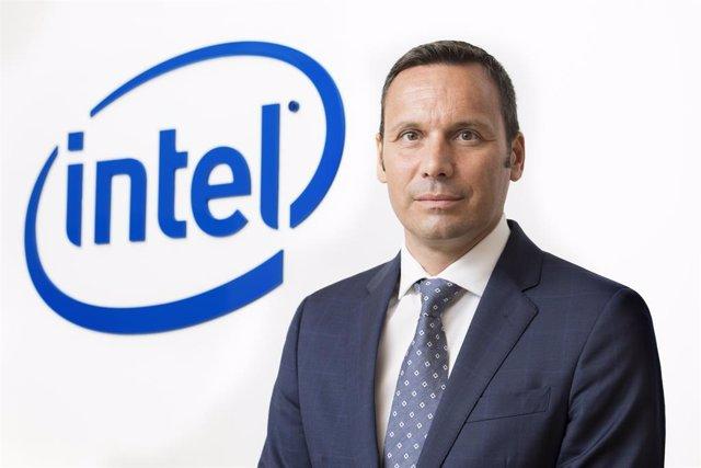 Retrato del director general de Intel para España y Portugal, Norberto Mateos.