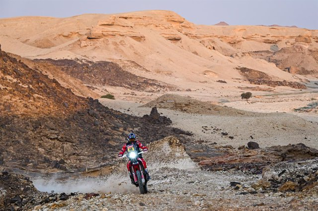#88 Barreda Bort Joan (esp), Honda, Monster Energy Honda Team 2021, Motul, Moto, Bike, action during the 5th stage of the Dakar 2021 between Riyadh and Al Qaisumah, in Saudi Arabia on January 7, 2021 - Photo Eric Vargiolu / DPPI