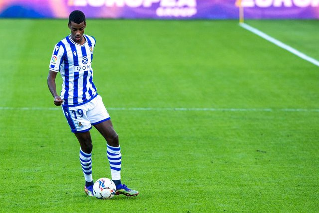 Alexander Isak of Real Sociedad during LaLiga, football match played between Cadiz Club Futbol and Real Sociedad Club de Futbol at Ramon de Carranza Stadium on November 22, 2020 in Cadiz, Spain.