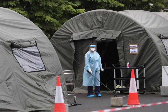 Una trabajadora médica en Irlanda durante la pandemia de coronavirus