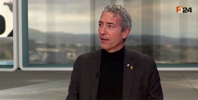 El director general de Centres Públics de la Conselleria d'Educació, Josep Gonzàlez-Cambray, en una entrevista del 3/24.