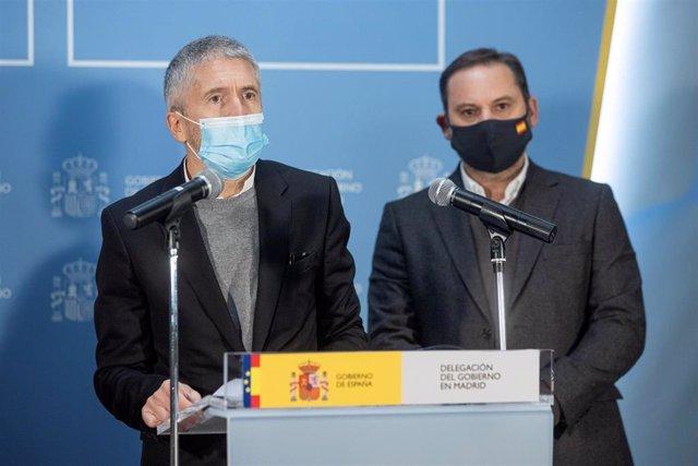 El ministro del Interior, Fernando Grande-Marlaska, y el titular de Transportes, José Luis Ábalos