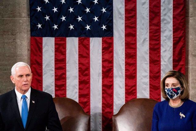 El vicepresident dels EUA, Mike Pence, i la presidenta de la Cambra de Representants, Nanci Pelosi.
