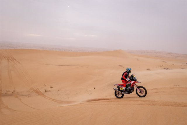 04 Cornejo Florimo Jose Ignacio (chl), Honda, Monster Energy Honda Team 2021, Motul, Moto, Bike, action during the 7th stage of the Dakar 2021 between Ha'il and Sakaka, in Saudi Arabia on January 10, 2021 - Photo Frédéric Le Floc'h / DPPI