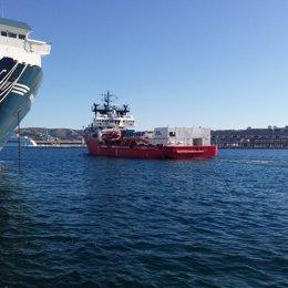 El 'Ocean Viking' zarpa del puerto de Marsella