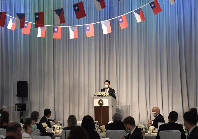 30 August 2020, Taiwan, Taipei: Taiwanese Foreign Minister Joseph Wu speaks at a gala dinner hosted by the delegation from the Czech Republic led by Czech Senate President Milos Vystrcil during their six-day visit to Taiwan, amid opposition from Beijing.