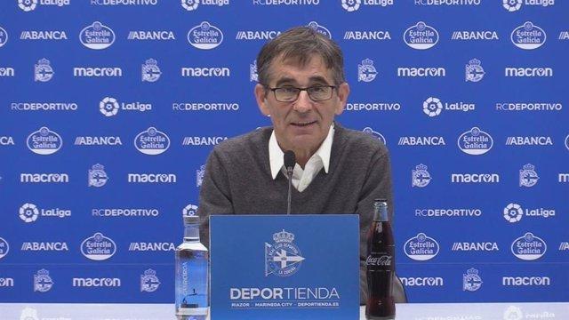 Fernando Vázquez, entrenador del Deportivo de la Coruña, en rueda de prensa