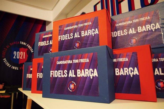 Firmas de apoyo al precandidato a la presidencia del FC Barcelona Toni Freixa en el proceso electoral de 2021
