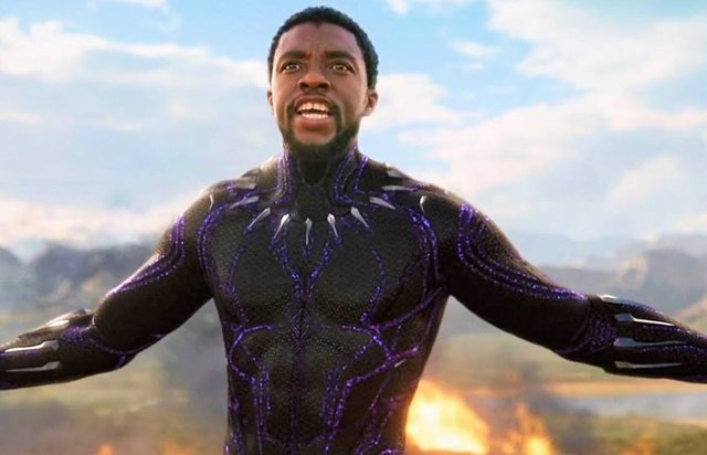 Chadwick Boseman como Black Panther en el Universo Marvel