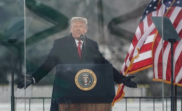 06 January 2021, US, Washington: US President Donald Trump speaks to supporters during a rally protesting the 2020 election results, near the White House in Washington. Photo: Bryan Smith/ZUMA Wire/dpa