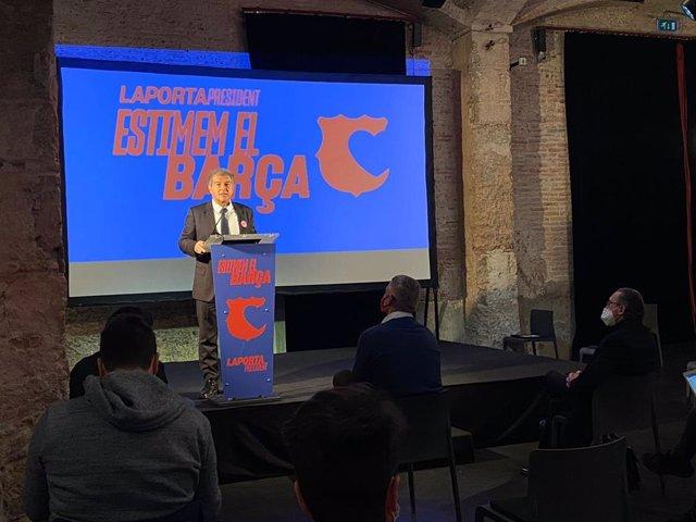 El precandidato a la presidencia del FC Barcelona Joan Laporta en rueda de prensa