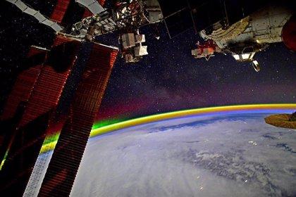 Un arcoíris espacial captado por un cosmonauta