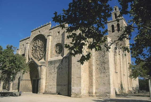Façana del monestir gòtic de Sant Cugat del Vallès, Barcelona