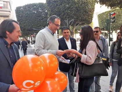 Vicente García y Raquel Espín, nuevos delegados de Turismo y de Desarrollo Sostenible en Almería
