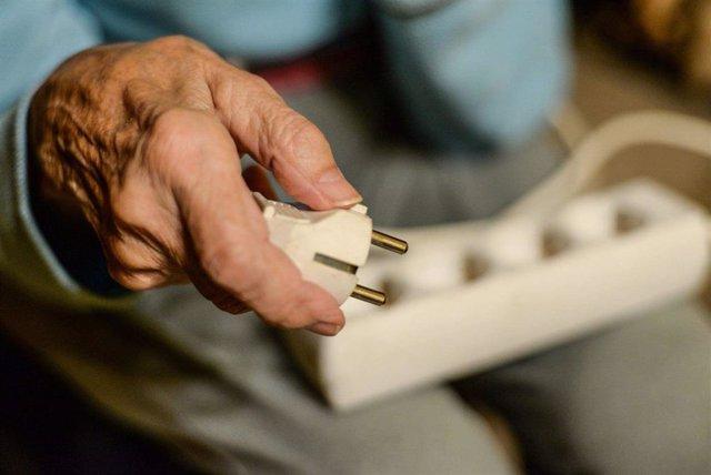 Np Cruz Roja Ayuda A 260 Familias Afectas Por La Pobreza Energética En La Provincia