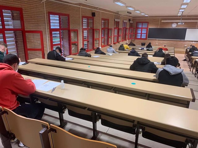 Una de las aulas que ha acogido el comienzo de los exámenes de enero en la Universidad de Almería (UAL)