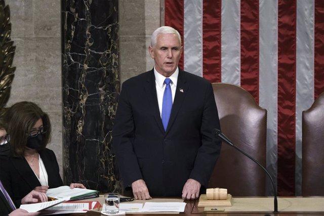 El vicepresidente de Estados Unidos, Mike Pence, durante la proclamación de Joe Biden como presidente en el Congreso de Estados Unidos.