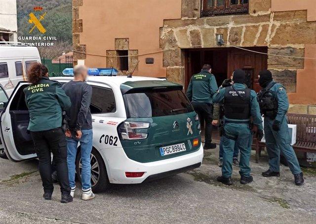 """Nota De Prensa Guardia Civil Desmantela Plantación """"Indoor"""" De Marihuana En Castro Urdiales"""