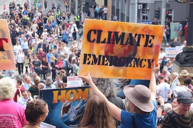Manifestación para sensibilizar sobe la emergencia clímática