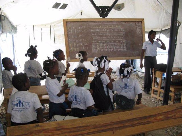 Niños haitianos en una escuela.