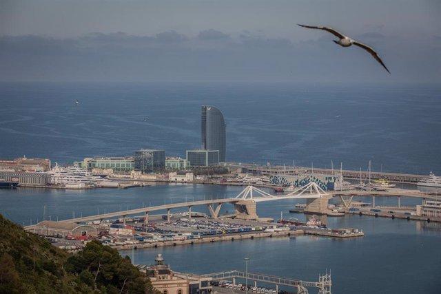 Vista aèria de l'àrea PIF del Port de Barcelona. Catalunya (Espanya), 20 de març del 2020.
