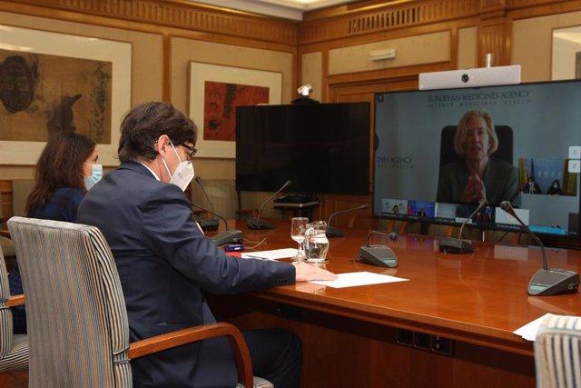 El ministro de Sanidad, Salvador Illa, y la secretaria de Estado de Sanidad, Silvia Calzón, se reúnen con el resto de ministros de Sanidad de la UE para intercambiar información sobre la vacunación. En Madrid (España), a 13 de enero de 2021.