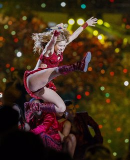 02 February 2020, US, Miami Gardens: Colombian singer Shakira performs during the halftime show of the Super Bowl LIV American football match between Kansas City Chiefs and San Francisco 49ers at Hard Rock Stadium. Photo: Al Diaz/TNS via ZUMA Wire/dpa